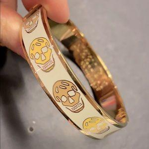 Alexander McQueen White/Gold Enamel Skull Bracelet